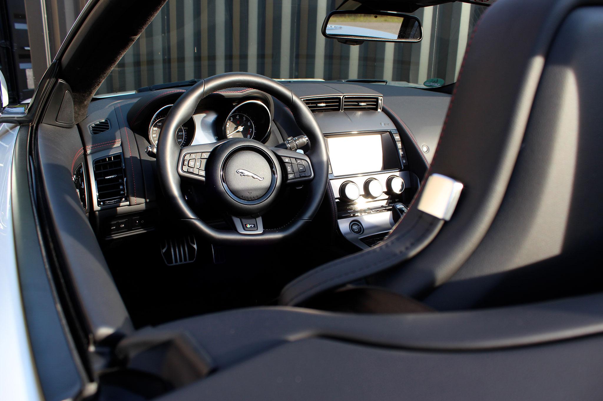 JAGUAR F-Type R Cabriolet mieten